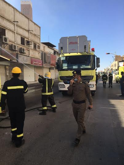 حريق في محل بشارع الصناعة ببريدة3