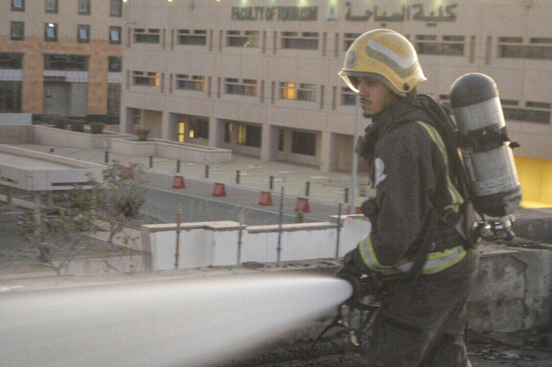 حريق مبنى جامعة الملك عبدالعزيز2