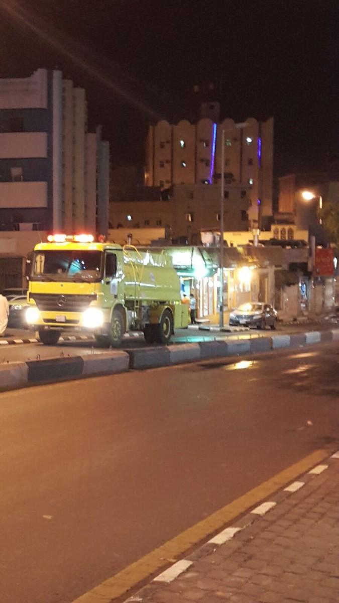 شاهد.. حريق بمضخة بنزين بـ #أبها يلتهم سيارتين ولا إصابات - المواطن