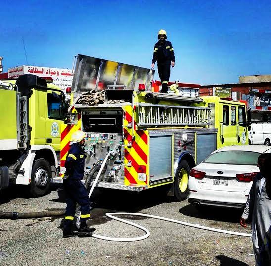 حريق محلات تجارية في ابوعريش
