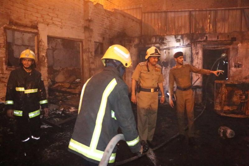 حريق مخزن الاسفنج مكة (1)