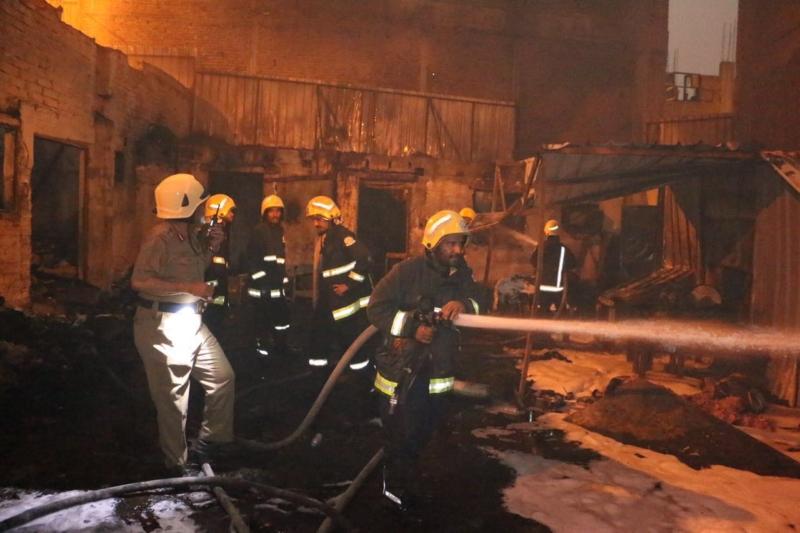 حريق مخزن الاسفنج مكة (4)