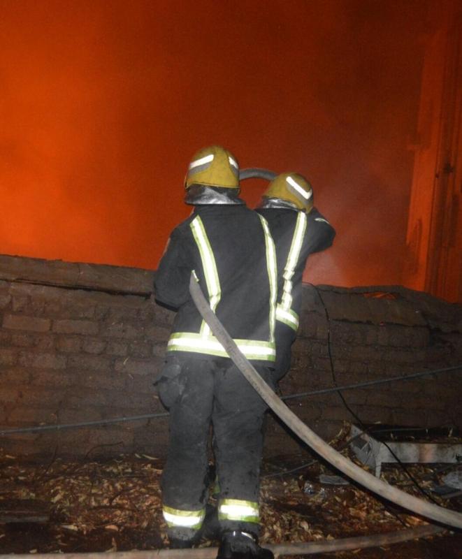 حريق مستودع بالمدينة2
