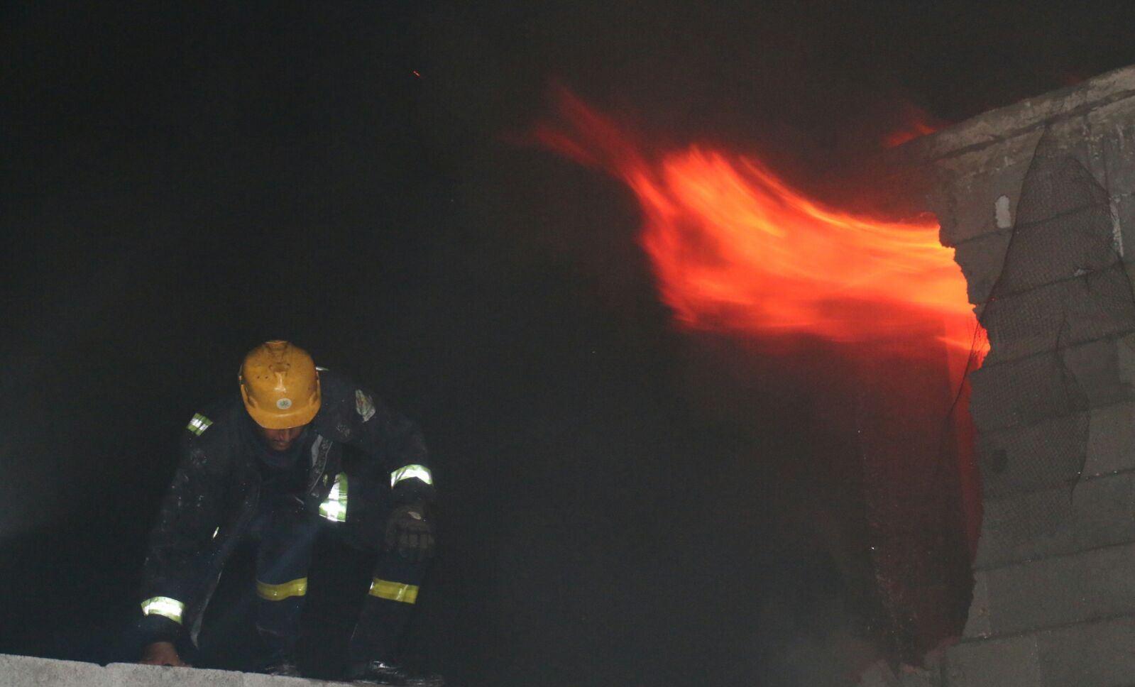 حريق مستودع بحي الحسينية بمكة المكرمة (2)