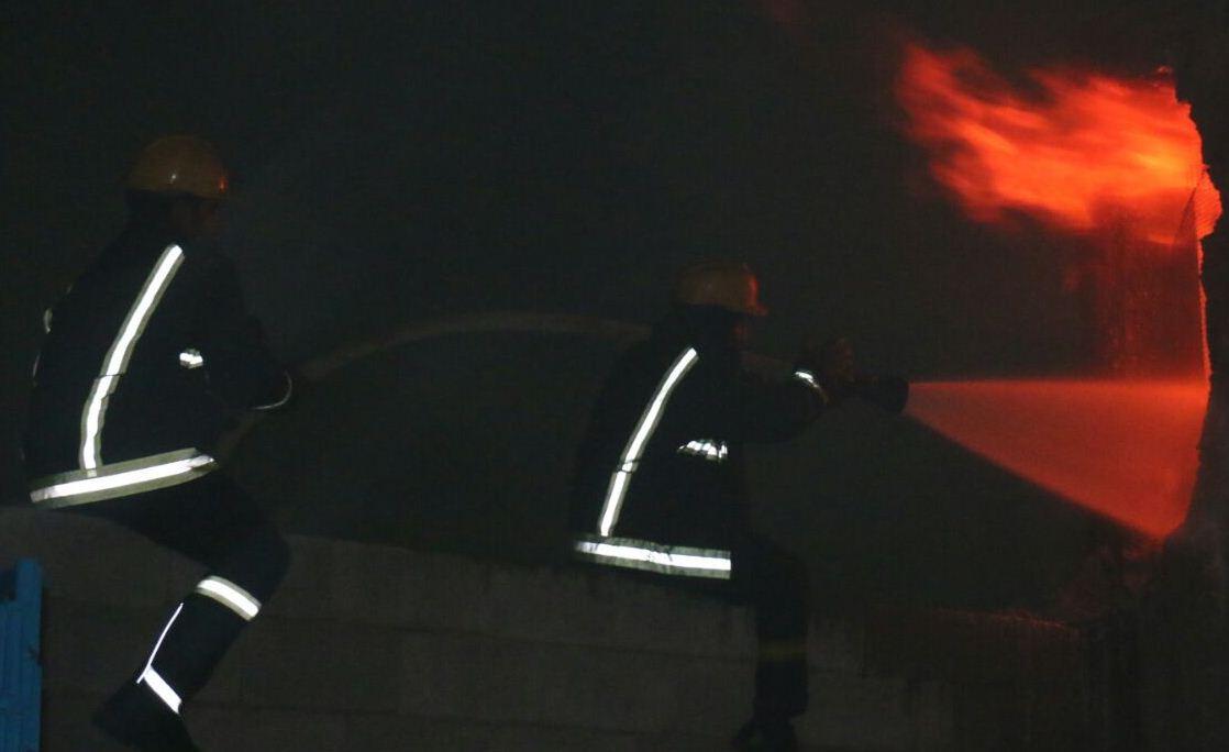 حريق مستودع بحي الحسينية بمكة المكرمة (3)