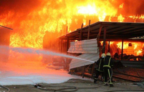 حريق-مستودع-بمكة (2)
