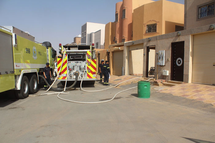 حريق منزل بالحي الأخضر بالقصيم (2)