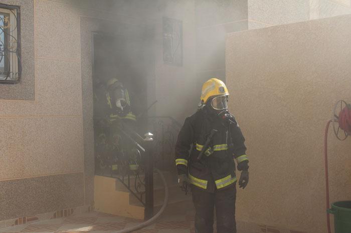 حريق منزل بالحي الأخضر بالقصيم (3)