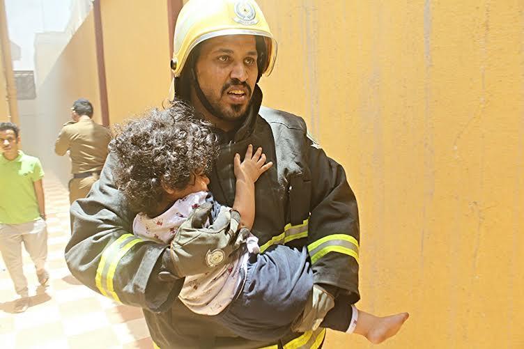 حريق يخلي منزل بحي المنتزه الغربي بحائل   (1)