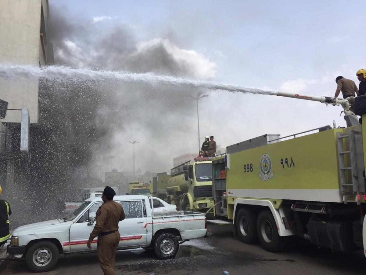 7 ساعات و10 فرق لإطفاء حريق هائل بنجران