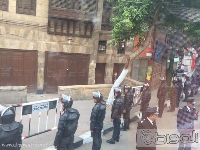 حشود واعلام وتدابير امنية احتفاء بالملك بجامع الازهر (14)