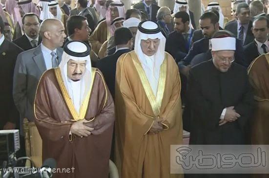 حشود واعلام وتدابير امنية احتفاء بالملك بجامع الازهر (6)