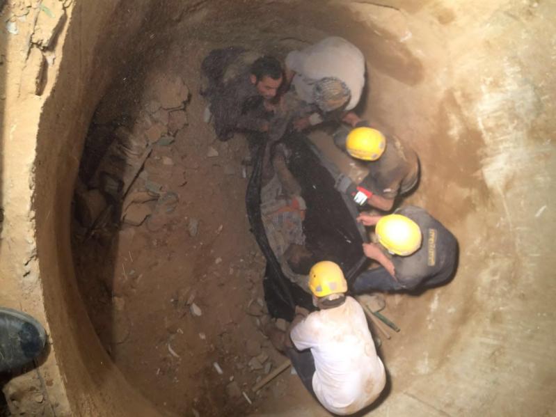 حفرة صرف في نجران