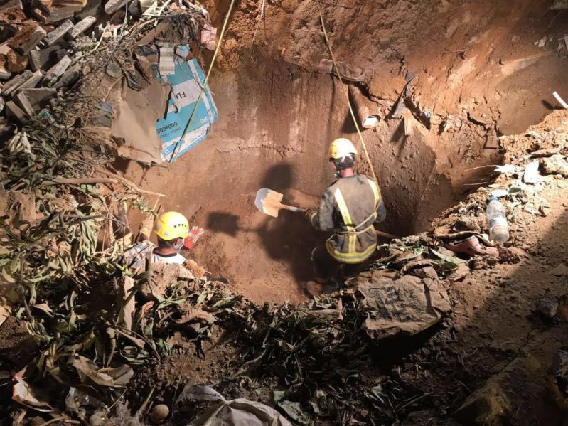 حفرة صرف في نجران.jpg2
