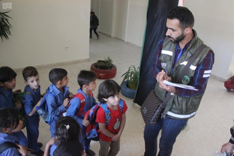 حقائب مدرسية الأشقاء السوريين (2)