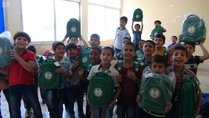 حقائب مدرسية (3)