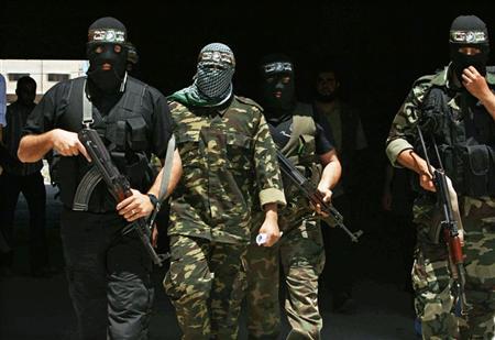فتح تقول ان حماس تلقي القبض على رجالها في غزة