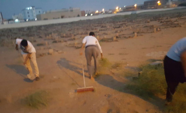 حملة تطوعية لنظافة مقابر الظبية وصيانتها (7)