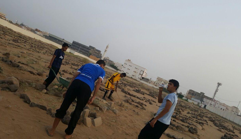 حملة تطوعية لنظافة مقابر الظبية وصيانتها (8)