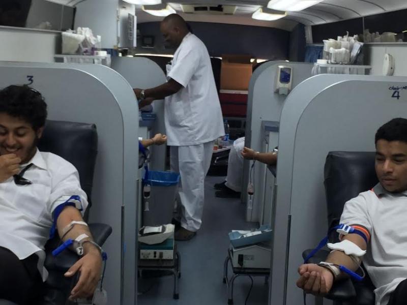 حملة للتبرع بالدم بكلية الاتصالات بالرياض1
