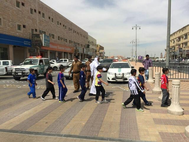 حملة مرورية لاحترام المشاة بشوارع الخفجي (3)