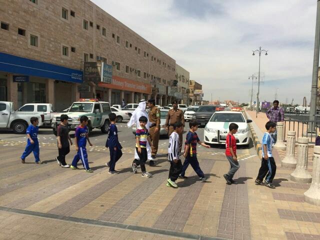 حملة مرورية لاحترام المشاة بشوارع الخفجي (8)