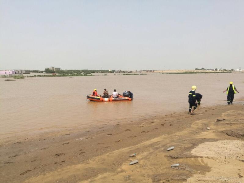 وزير البلديات يوجه بتفعيل خطط الطوارئ لتلافي أخطار الامطار والسيول