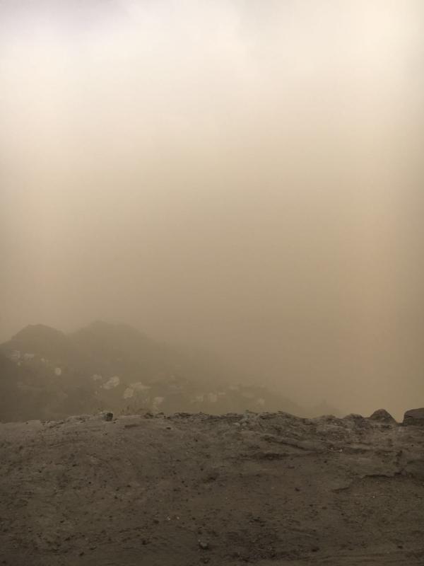 حوادث مرورية وتحذيرات بعد موجة غبار ضربت جازان (846414502) 