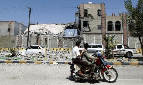 غارات تدمر آليات للحوثيين في مأرب