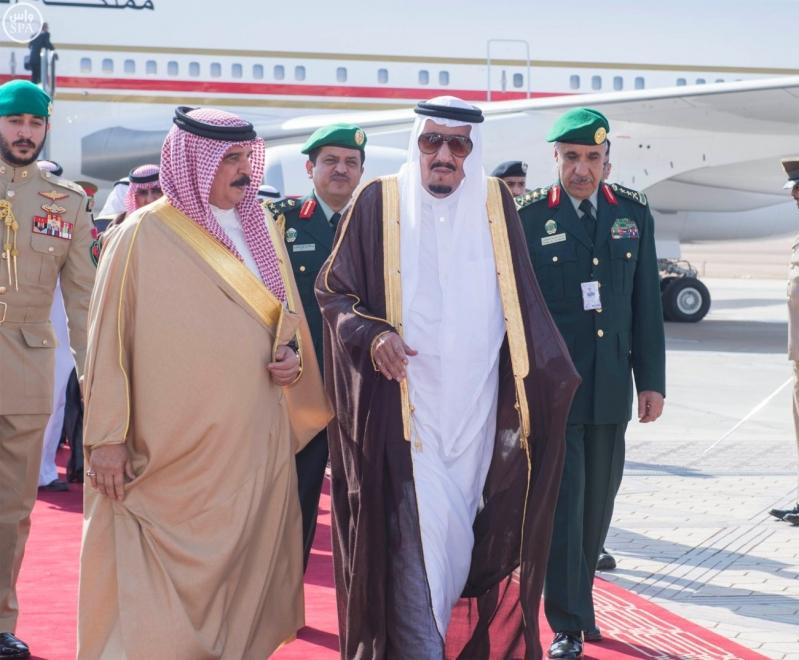 خادم الحرمين الشريفين في مقدمة مستقبلي جلالة الملك حمد بن عيسى آل خليفة ملك مملكة البحرين- 11