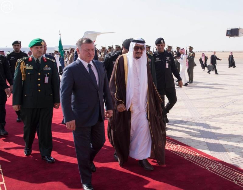 خادم الحرمين الشريفين في مقدمة مستقبلي جلالة الملك عبدالله الثاني ملك المملكة الأردنية الهاشمية12