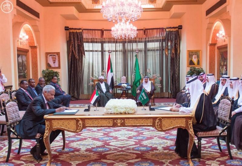 خادم الحرمين الشريفين ورئيس جمهورية السودان يعقدان جلسة مباحثات1