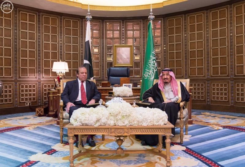 خادم الحرمين الشريفين يجتمع مع رئيس وزراء باكستان1