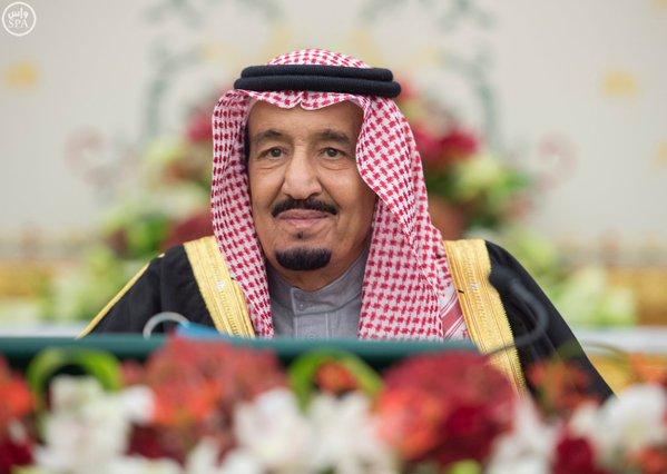 خادم الحرمين الشريفين يرأس جلسة مجلس الوزراء0