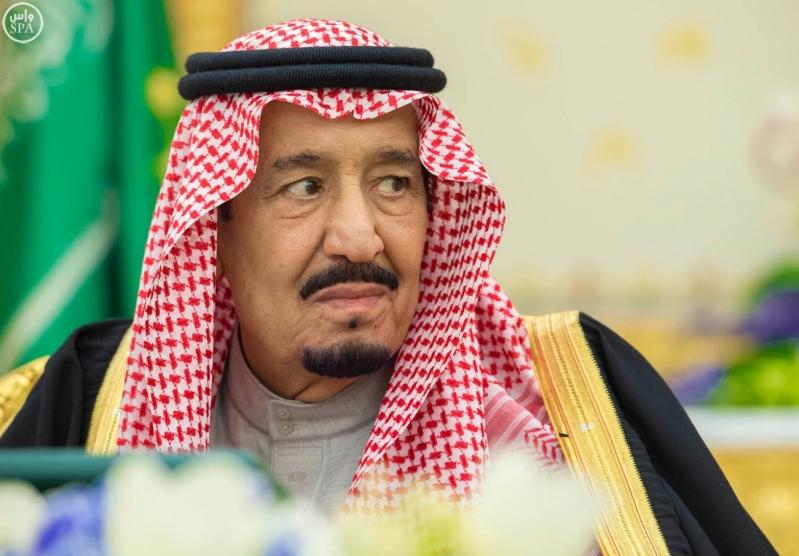 خادم الحرمين الشريفين يرأس جلسة مجلس الوزراء5