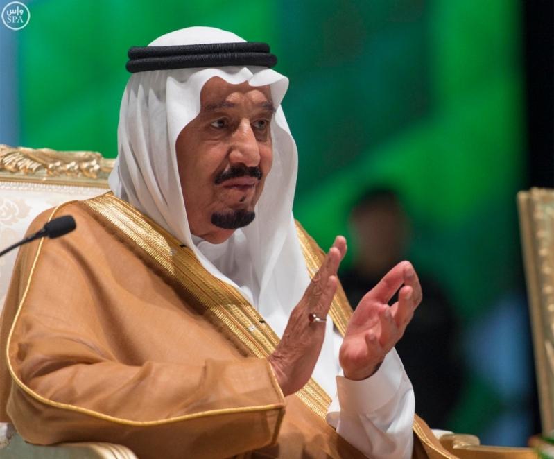 خادم الحرمين الشريفين يرعى احتفال جامعة الملك عبدالعزيز11