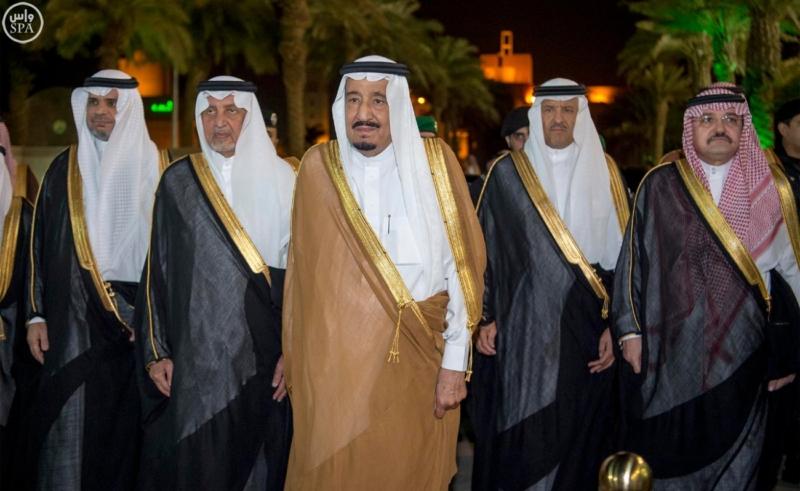خادم الحرمين الشريفين يرعى احتفال جامعة الملك عبدالعزيز3