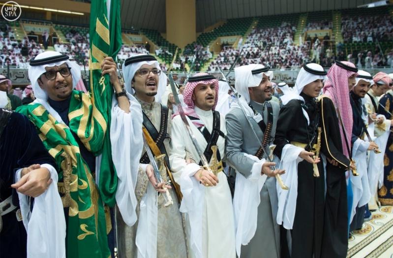 خادم الحرمين الشريفين يرعى حفل العرضة السعودية ضمن نشاطات المهرجان الوطني للتراث والثقافة في دورته الثلاثين 10