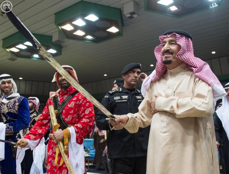 خادم الحرمين الشريفين يرعى حفل العرضة السعودية ضمن نشاطات المهرجان الوطني للتراث والثقافة في دورته الثلاثين 11
