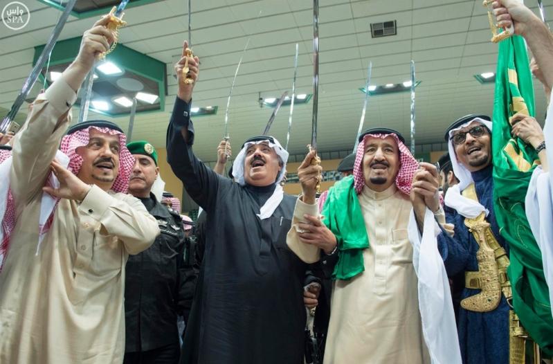 خادم الحرمين الشريفين يرعى حفل العرضة السعودية ضمن نشاطات المهرجان الوطني للتراث والثقافة في دورته الثلاثين 12