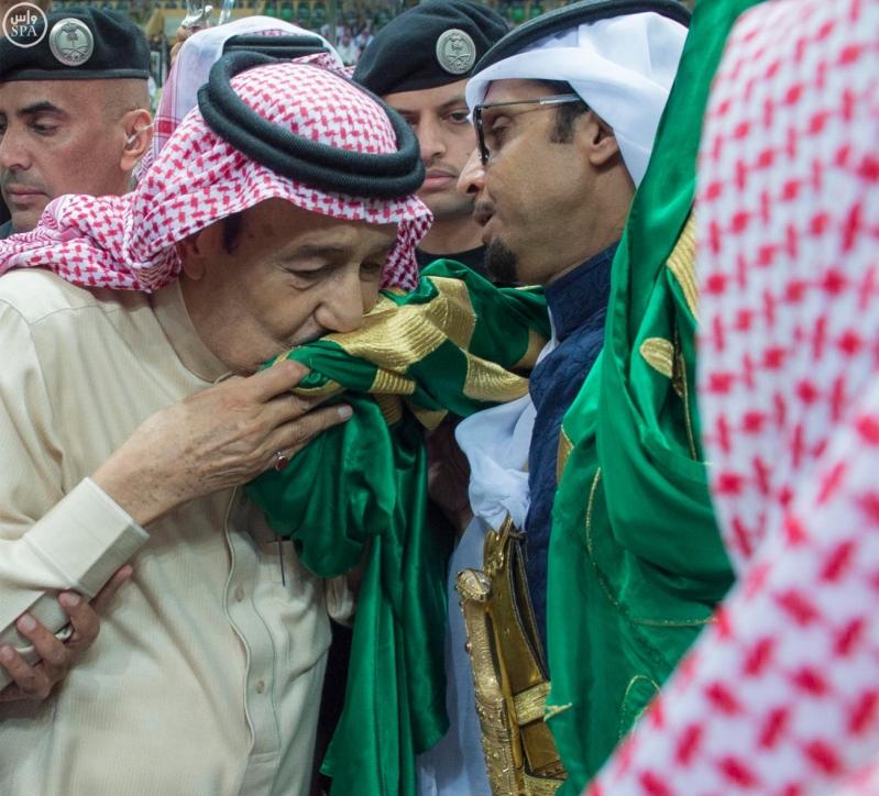 خادم الحرمين الشريفين يرعى حفل العرضة السعودية ضمن نشاطات المهرجان الوطني للتراث والثقافة في دورته الثلاثين 15
