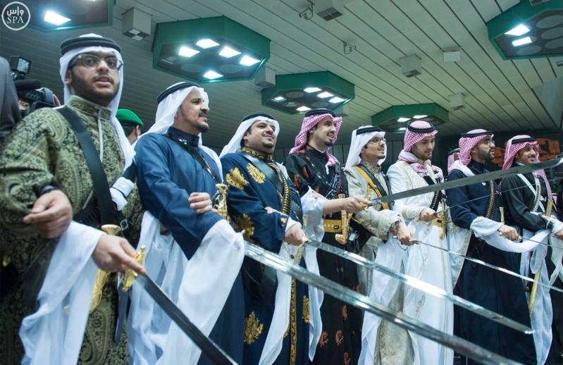 خادم الحرمين الشريفين يرعى حفل العرضة السعودية ضمن نشاطات المهرجان الوطني للتراث والثقافة في دورته الثلاثين 16