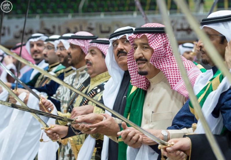خادم الحرمين الشريفين يرعى حفل العرضة السعودية ضمن نشاطات المهرجان الوطني للتراث والثقافة في دورته الثلاثين 21