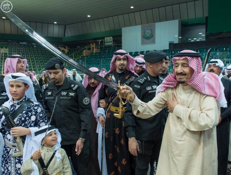 خادم الحرمين الشريفين يرعى حفل العرضة السعودية ضمن نشاطات المهرجان الوطني للتراث والثقافة في دورته الثلاثين 7