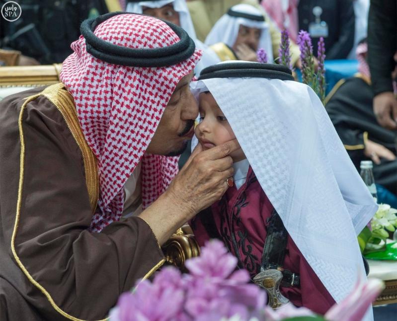 خادم الحرمين الشريفين يرعى حفل العرضة السعودية ضمن نشاطات المهرجان الوطني للتراث والثقافة في دورته الثلاثين3