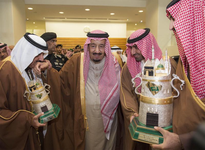 خادم الحرمين الشريفين يرعى كآس الملك عبدالعزيز 1