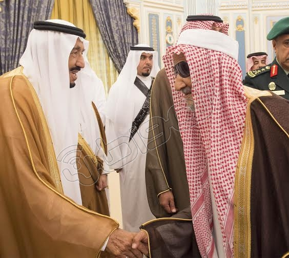 خادم الحرمين الشريفين يستقبل أصحاب السمو الأمراء وسماحة المفتي وجموعا من المواطنين 11