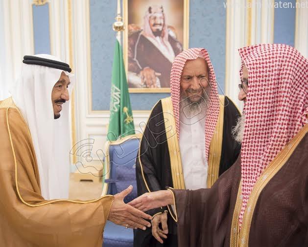 خادم الحرمين الشريفين يستقبل أصحاب السمو الأمراء وسماحة المفتي وجموعا من المواطنين 15