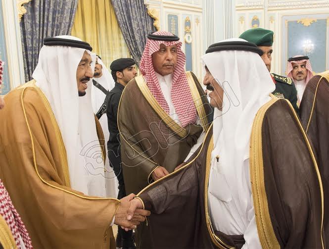 خادم الحرمين الشريفين يستقبل أصحاب السمو الأمراء وسماحة المفتي وجموعا من المواطنين 4