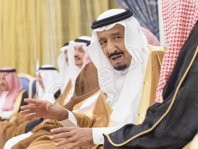 خادم الحرمين الشريفين يستقبل أصحاب السمو الأمراء وسماحة المفتي وجموعا من المواطنين 7